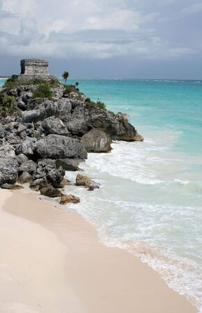 A shot of the Tulum ruins and beautiful turquoise Caribbean Sea. (Mayan Ruins, Mexico) Stock Photo - 3087194