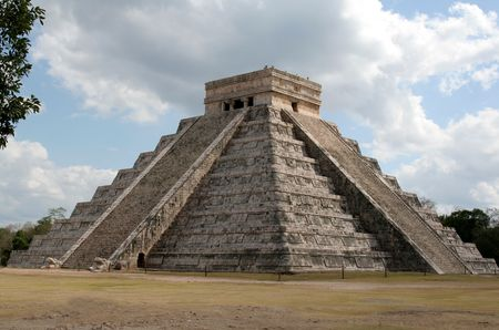 The temple of Kukulkan at Chichen Itza, (Mayan Ruins) in Mexico.