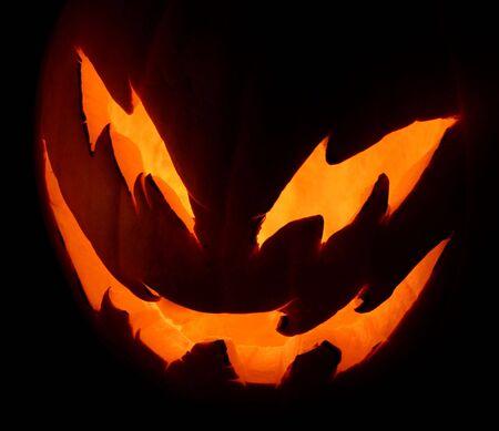 ジャック-o-ランタン ハロウィーンの夜に輝くを見て意味します。