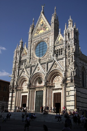gothic church: The magnificant cathedral of Siena (Duomo di Siena), shot in Siena, Italy.  The cathedral was constructed between 1215 and 1263.