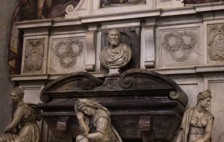 Michangelo le tombeau dans la basilique de Santa Croce, � Florence, Italie. photo