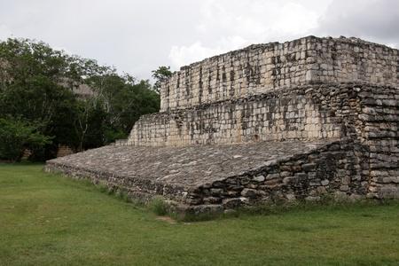 """El Juego de Pelota en las ruinas mayas de Ek 'Balam. El nombre de Ek 'Balam significa """"Jaguar Negro"""". Se encuentra ubicado en la Pen�nsula de Yucat�n, M�xico. Foto de archivo - 14407525"""