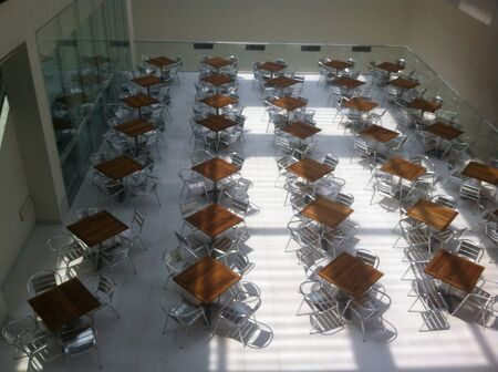 simetric: Tables without any person are only things