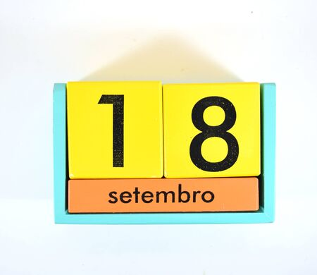 18th: Date block (isolated) showing date of September 18th in Spanish or Portuguese