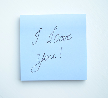 i pad: Sticky note pad with the phrase I love you! written on it Stock Photo