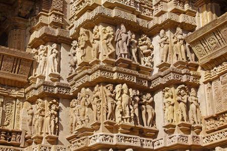 khajuraho: Exteriores tallas en los templos hind�es en Khajuraho en la India  Foto de archivo