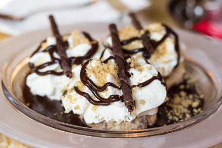 Een smakelijk walnoot dessert, Hongaars dessert