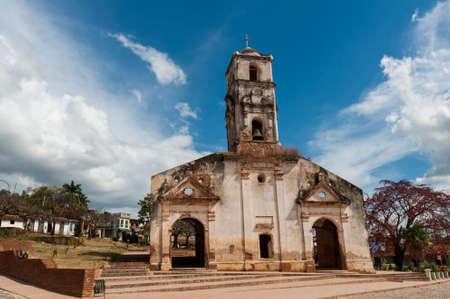 ade: Old church ruins in Trinidad, Cuba