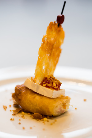 yummy pincho boat with cheese sail