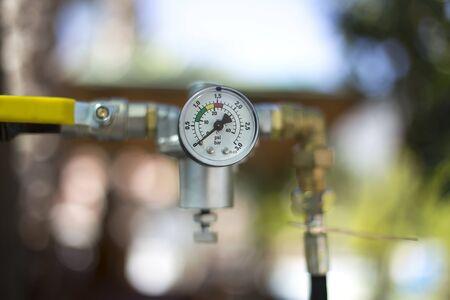regulator: Gas Pressure Meter with Regulator