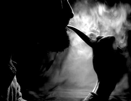 Pipe Smoker - Black and White 免版税图像
