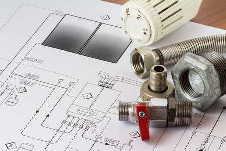 Bureau met hydraulische fittingen en project
