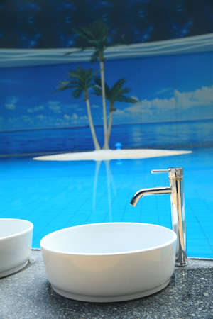 washbasins: Washbasins
