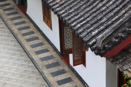 chinese courtyard: Eaves
