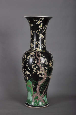 inherit: The black three bottles of plum blossom tail vase