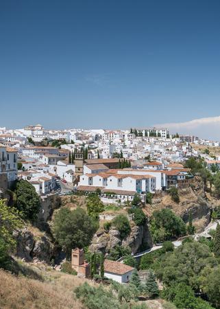Palacio de Mondragon - Plaza Mondragón, Ronda - Blick auf den San Francisco Bezirk Ronda, Andalusien, Spanien Standard-Bild - 81835406