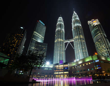 The Petronas towers, tallest buildings in malaysia towers in Kuala Lumpur, The tallest buildings in Malaysia