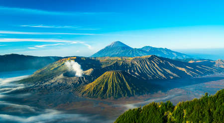 Mount Bromo volcano during sunrise, East Java, Indonesia. Banque d'images