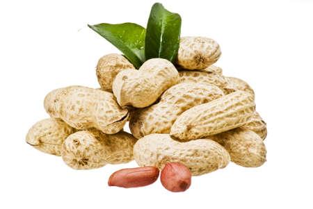 piramide alimenticia: Cacahuetes de detalle sobre fondo blanco
