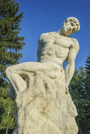 frederic: Estatua gigante, Frederic Storc, Bucarest