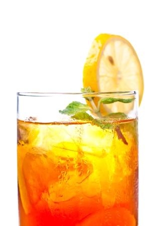 té helado: Un frío como el hielo fresco té de limón para ser disfrutado en cualquier momento del día Foto de archivo