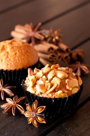 Cashewnuss Muffin und Gew�rzen hautnah Lizenzfreie Bilder
