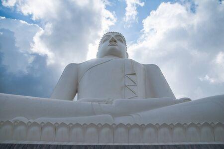 samadhi: Samadhi Buddha statue at Athugala, Sri Lanka