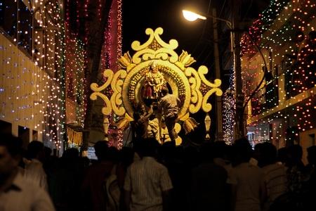 procession: Procesi�n Riligious en una calle en Bangalore Editorial