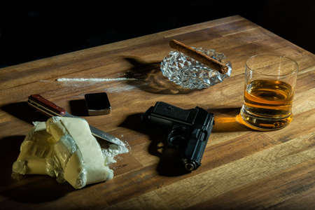 syndicate: cocaine, cigar, alcohol and a gun