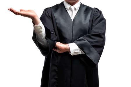 abogado alemán con una clásica túnica negra y corbata blanca