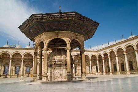 内側のモハメドアリのモスク カイロ、エジプト。