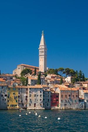 古い沿岸都市クロアチア ロヴィニ。 写真素材