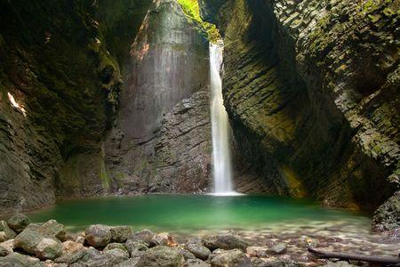 コバリード スロベニアの都市の近くの滝コジャク。
