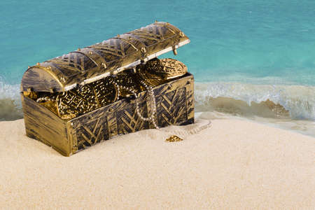 nuggets: Treasure chest from pirates with gold coins and nuggets Stock Photo