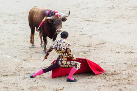 corrida de toros: Corrida. Luchando en una corrida típica española