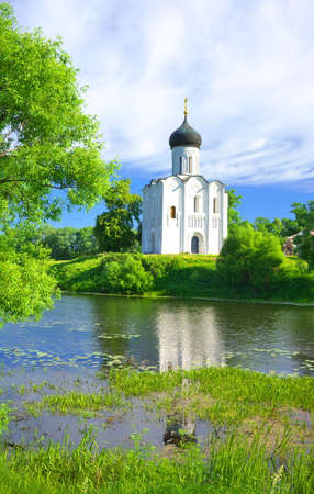 nerl river: Golden Ring of Russia, Vladimir region, Bogolyubovo. Church of the Intercession on the Nerl, built in 1165. Stock Photo