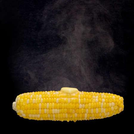 elote: Cocer al vapor de maíz con mantequilla de fusión
