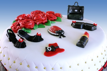 evoking: A cake with fashion elements evoking