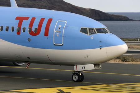 Las Palmas 7. November Boeing 737-8K5, TUI, mit dem Taxiway, erster Beamter, winkend vor dem Start. 7. November 2018, Las Palmas, (Kanarische Inseln) Spanien.