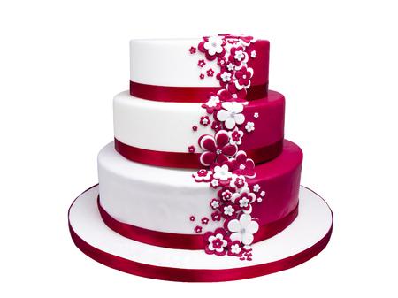 Marshmallow fondant multistrato torta con la decorazione floreale isolato