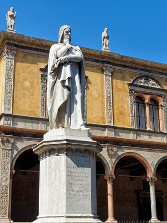 dante alighieri: Dante Alighieri monument in Verona Italy