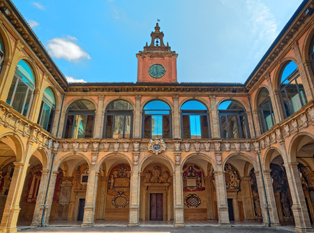 볼로냐 대 건축물 Archiginnasio 스톡 콘텐츠 - 81856685