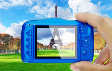エッフェル塔パリコンパクトカメラ表示 pov の写真を撮る