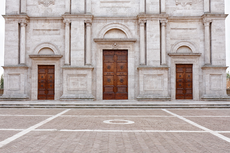 Exterior view of The Duomo or Cathedral in Pienza Italy Imagens - 89902734