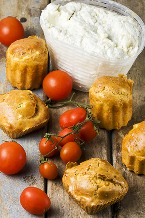 salty muffins with ricotta and little tomatoes