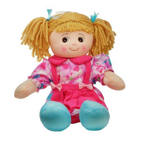 Siéntese lindo sonriente muñeca de trapo bonita aislada en blanco