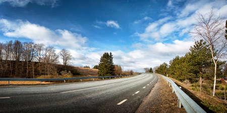 black asphalt road on sunny spring day Reklamní fotografie