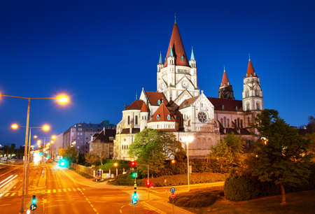 Saint Francis of Assisi Church on Danube in Vienna, Austria at night 免版税图像