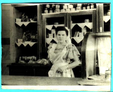 Saleswoman in a bakery, USSR 1950s 新聞圖片