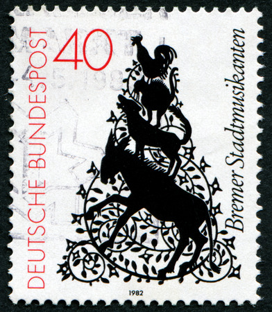 GERMANY - CIRCA 1982: A stamp printed in Germany shows cartoon drawing of trotamusicos, circa 1982